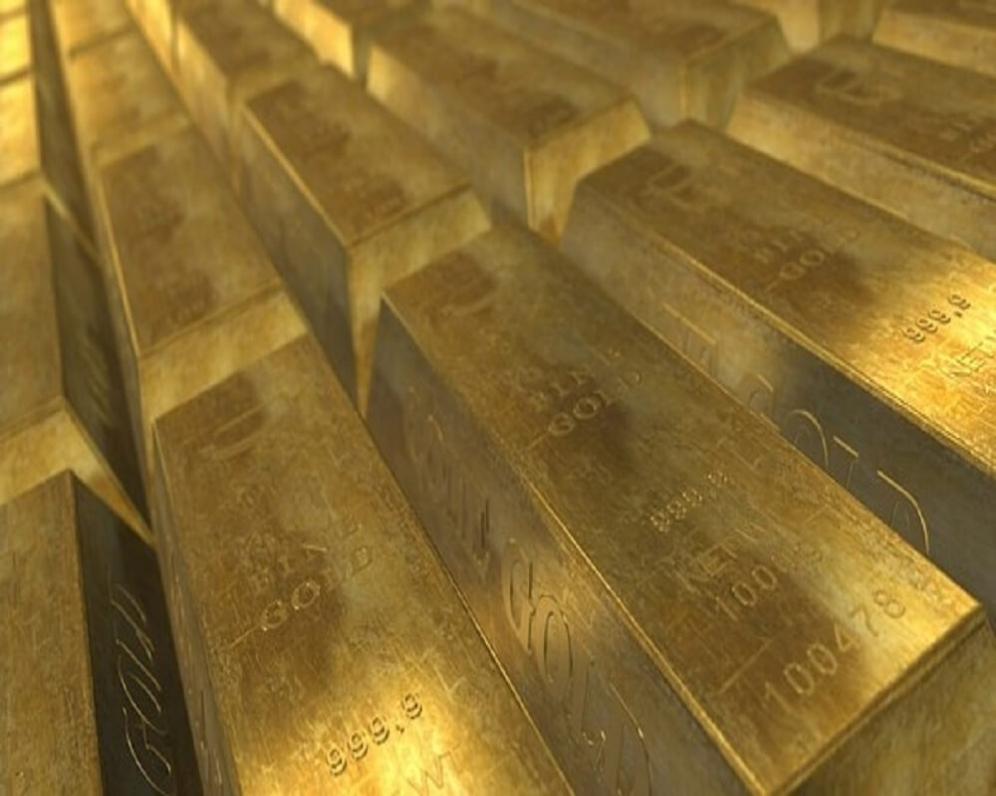 Poptávku po zlatě probouzejí spotřebitelé i centrální banky